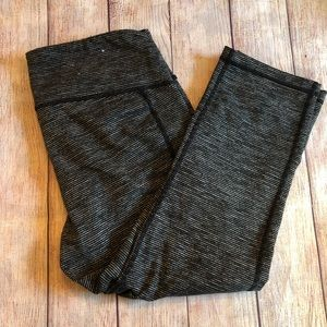 Old Navy Active workout capris - M